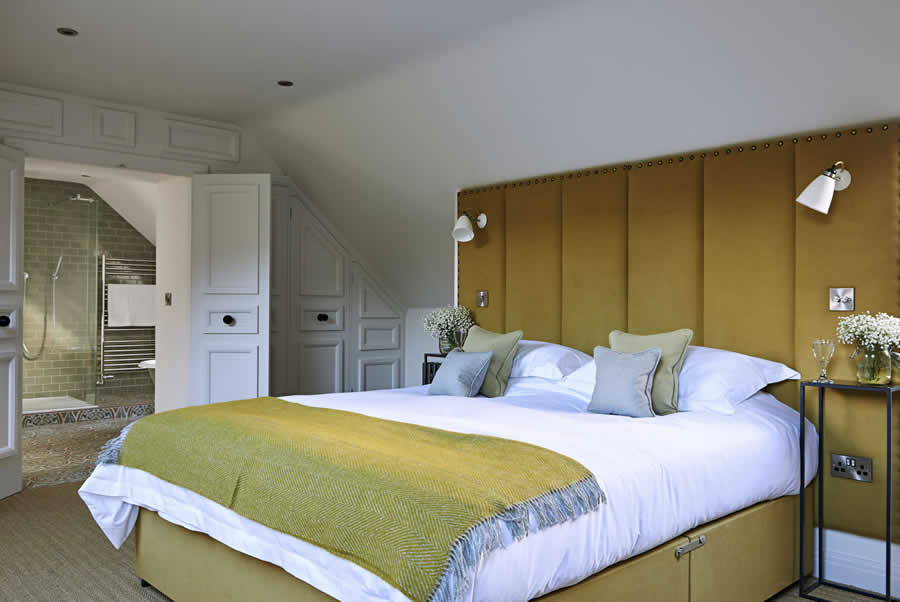Castlemorton Barns Millhouse Bedroom1
