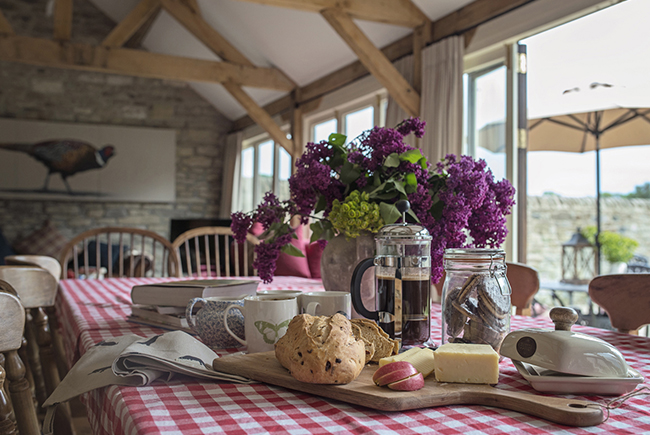 Barns T17 The Old Byre Kitchen Tableweb Ready