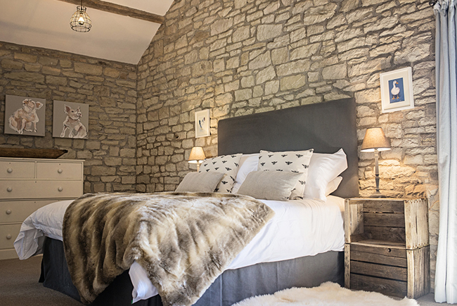 Barns T The Old Mill Master Bedroomweb Ready