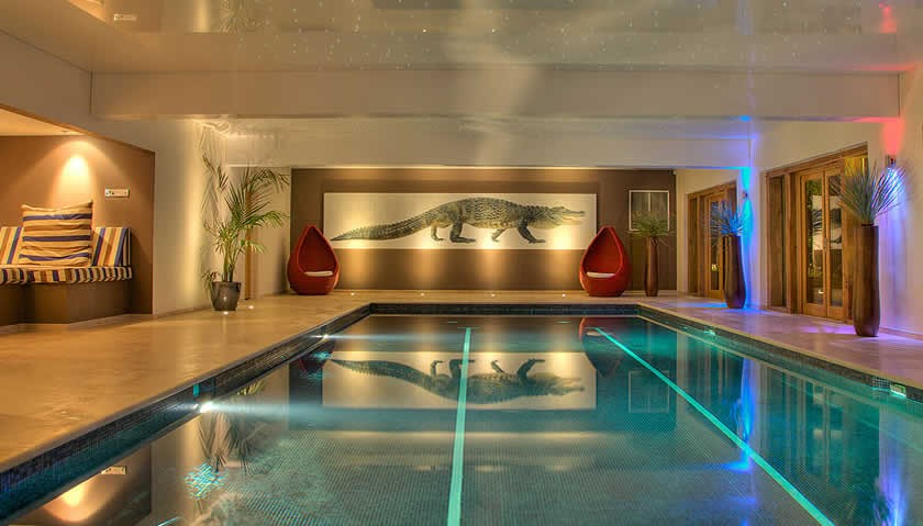 Vennlane House Indoor Swimming Pool