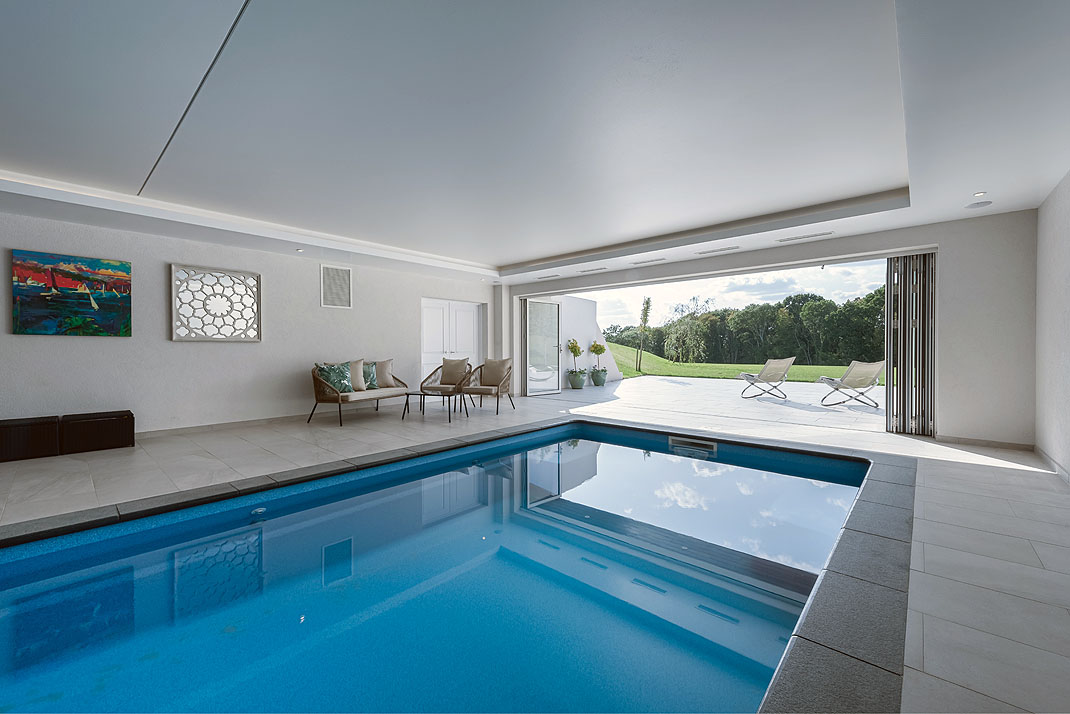 Meon House Swimming Pool2